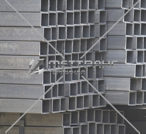 Труба профильная 60х60 мм в Таганроге